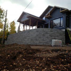 retaining wall around house